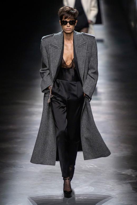 78d08f090 مجموعة خريف وشتاء 2019-2020 للملابس الجاهزة من سان لوران